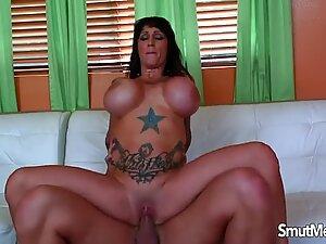 Brunette pornstar sex