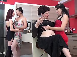 Six old and young lesbians go nuts