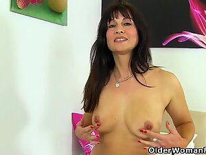 UK milf Beau Diamonds loves going without knickers