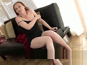 Hot MILF Amber Wants You You to Watch Her Masturbate