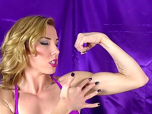 wondrous muscle pov. Flexing, taunting & talking.