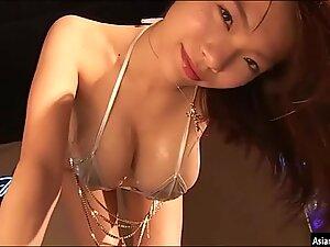Japanese Busty Idol Mio Takaba 01