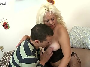 Mature aunty fucked by young son
