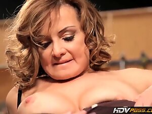 HDVPass puny mummy Rebecca Bardoux rides the cougar buster in the garage